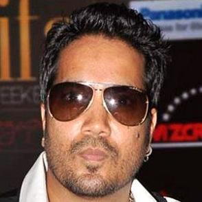 Mika Singh dating 2021 profile
