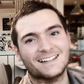 Adam Sketches dating 2020 profile