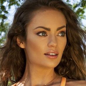 Emily Skye dating 2021 profile