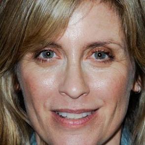 Helen Slater dating 2021