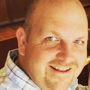 Chuck Smith dating 2021 profile