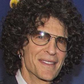 Howard Stern dating 2020