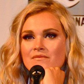 Eliza Taylor dating 2020 profile