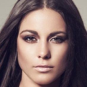 Louise Thompson dating 2021 profile