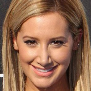 Ashley Tisdale dating 2020