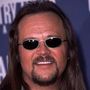 Travis Tritt dating 2021