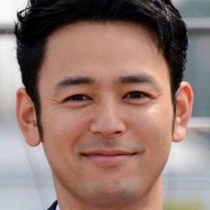 Satoshi Tsumabuki dating 2021
