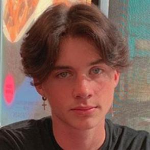 Tristan Valdez dating profile