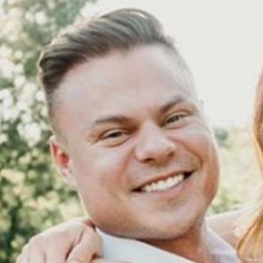 Ben Winters dating profile
