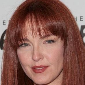 Amy Yasbeck dating 2020