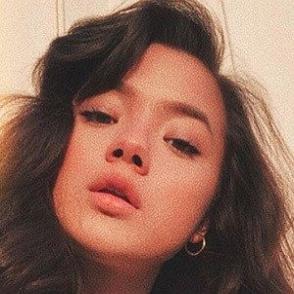 Lizzy Yu dating profile