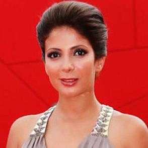 Mona Zaki dating 2021 profile